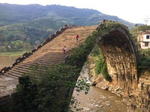 中国豆腐渣工程巡展,超级震撼!